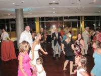 bride-dancing-bridal-party