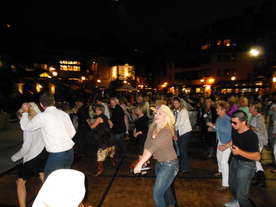corporate-live-music-beaver-creek-colorado-dance-band-deja-blu