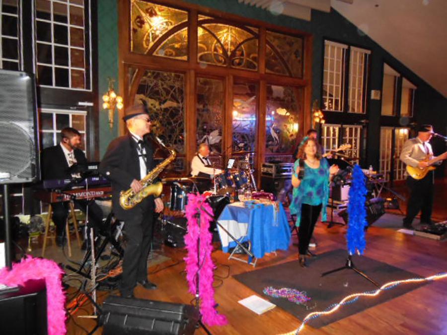 deja-blu-dance-band-party-lionsgate-event-center