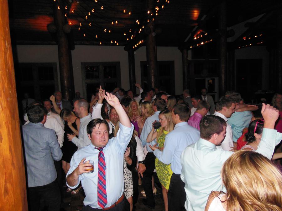 Deja-Blu-dance-band--Keystone-Wedding