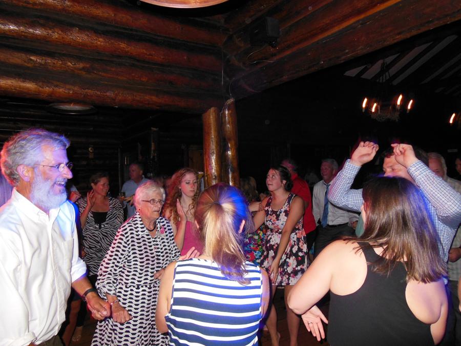 deja-blu-twin-owls-estes-park-colorado-wedding-dance-band